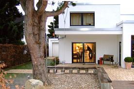 architektur bauhausstil garten. Black Bedroom Furniture Sets. Home Design Ideas